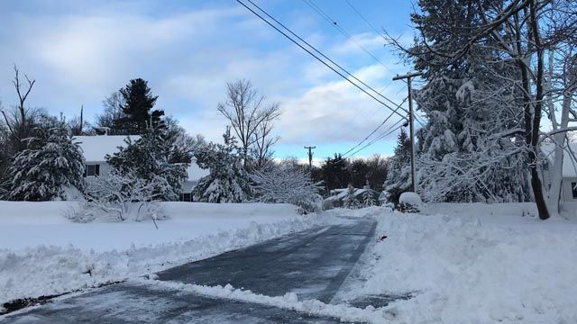 Storm leaves behind damage, thousands of power outages