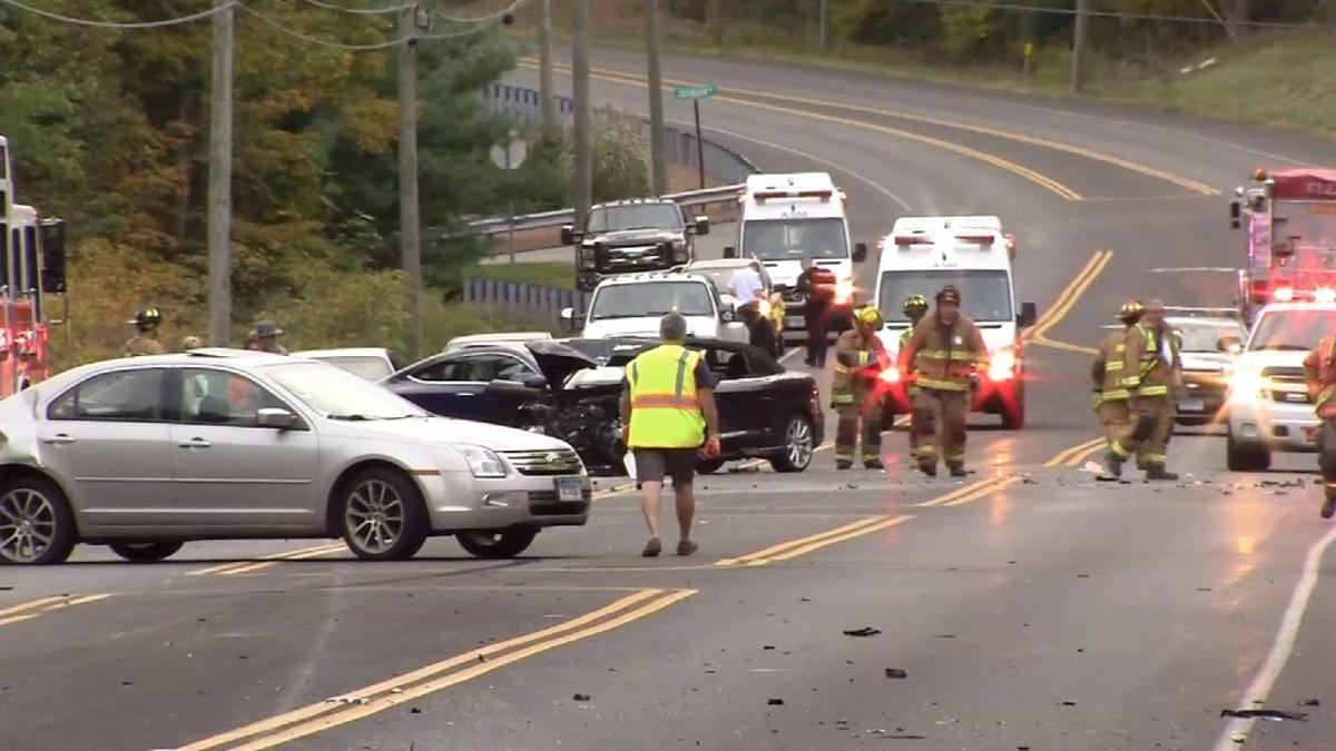 1 dead after crash on Route 6 in Bolton