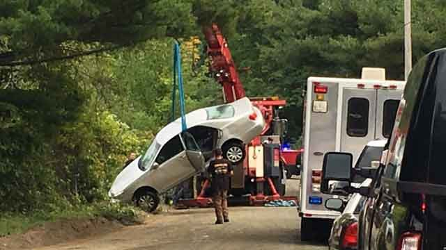 Teen loses control of car, drives into Middletown reservoir