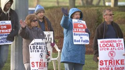 Stop and Shop Strikers in Glastonbury