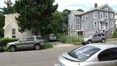 New Haven parents urged to keep an eye out after 3 girls approached by stranger