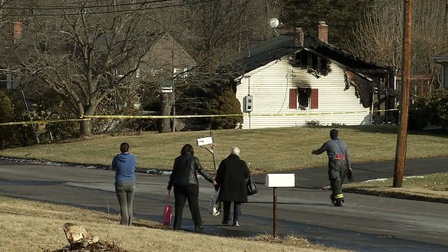 Good Samaritan rescues woman from burning home in Windsor