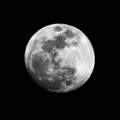 Are you ready for the full moon? Here's how to take the best photos