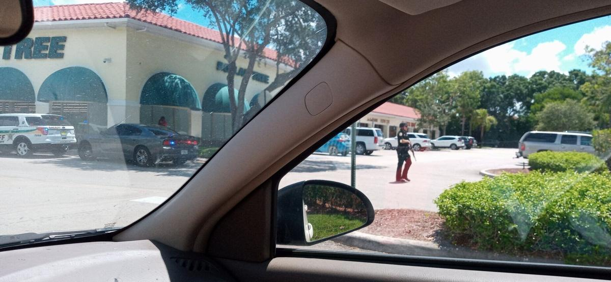 2 dead after shooting at a Publix in Florida. The shooter is also dead