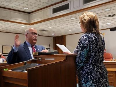 Quincy mayor sworn in