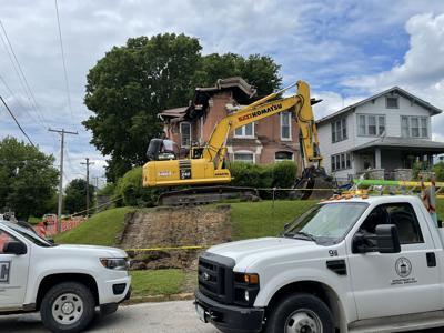 Crew demolish northwest side home that collapsed