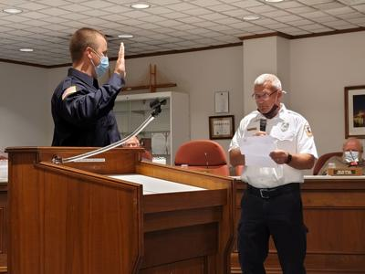 Council delays vote on police, fire chief ordinance