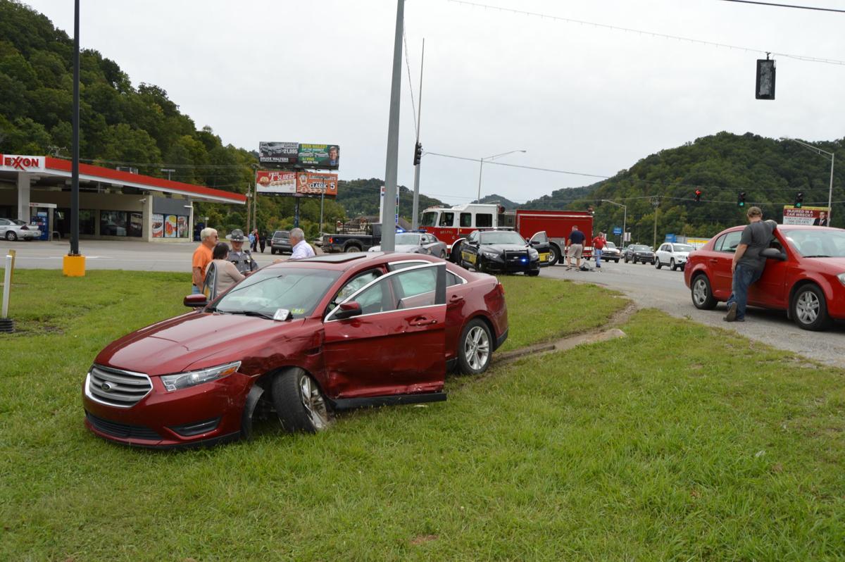 Wreck at U S  119 intersection | News | williamsondailynews com
