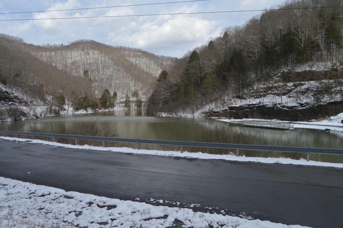 laurel lake snow.JPG