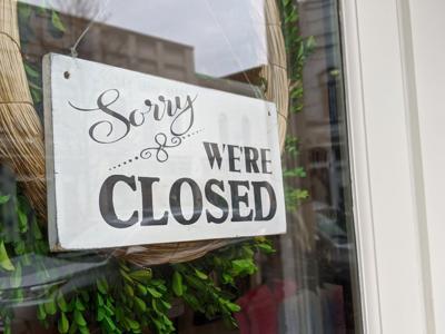 Franklin Main Street Closed Sign