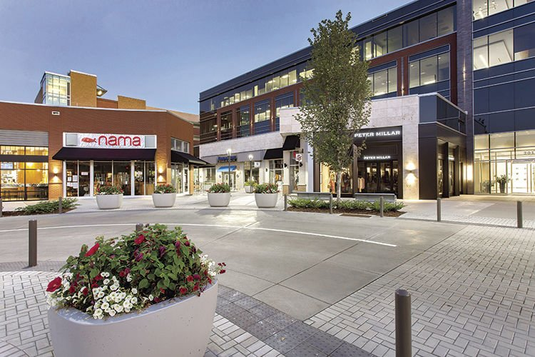 Brentwood Hill Center has become the heart of activity in Brentwood which houses business shops and eateries.