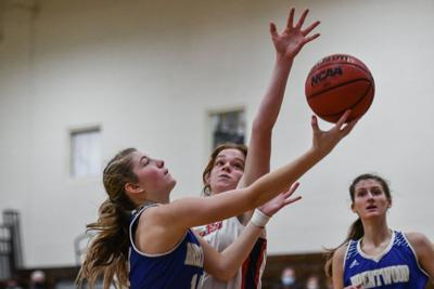 Hoops – Brentwood girls vs. Brentwood Academy