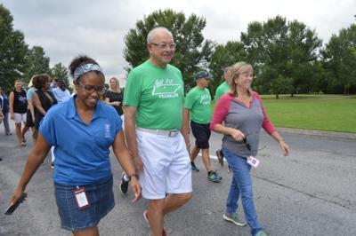 Franklin pedestrians celebrate new sidewalk along Murfreesboro Road