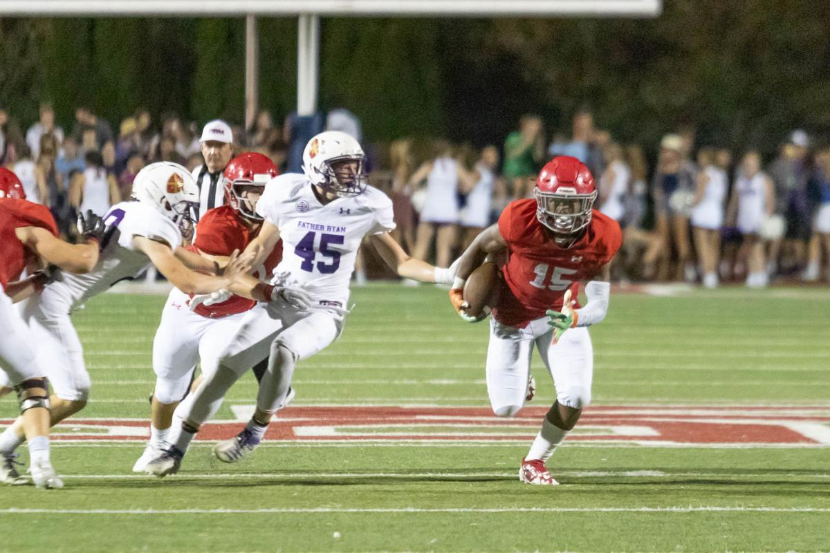 Football – Father Ryan at Brentwood Academy .
