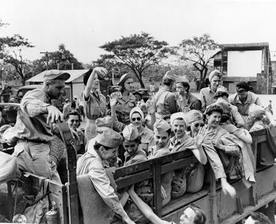 Army nurses rescued from Santo Tomas in 1945