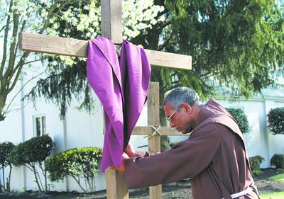 Passion Art Walk in downtown tells story of Christ (copy)