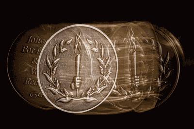 UT Gold Service Medallion