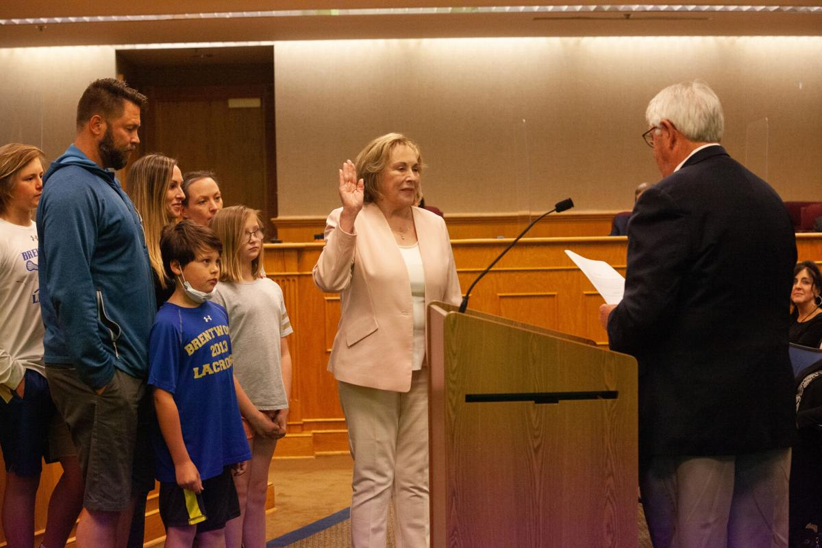 Brentwood Commissioner Regina Smithson oath of office on May 10, 2021