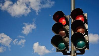 traffic-light-630-e14805350813902
