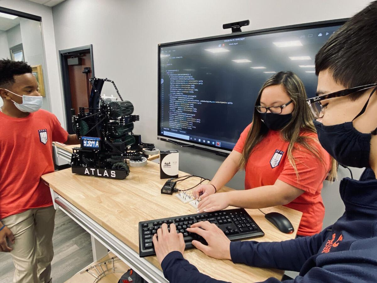 Brentwood Academy students robotics