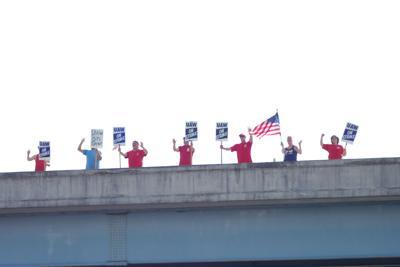 UAW GM Strike strikers