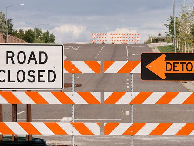 detour-road-closed_si