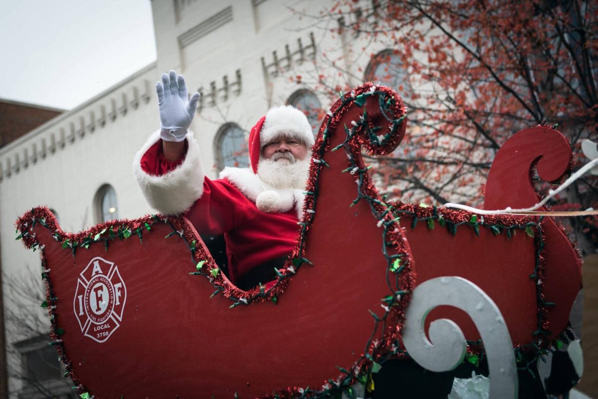 Santa in sleigh.jpg
