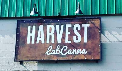 harvest-cafe-sign