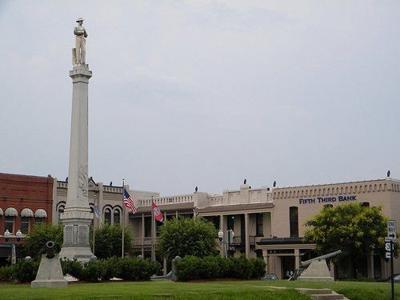 franklin-square-statue