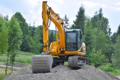 construction-excavator-gravel-95687