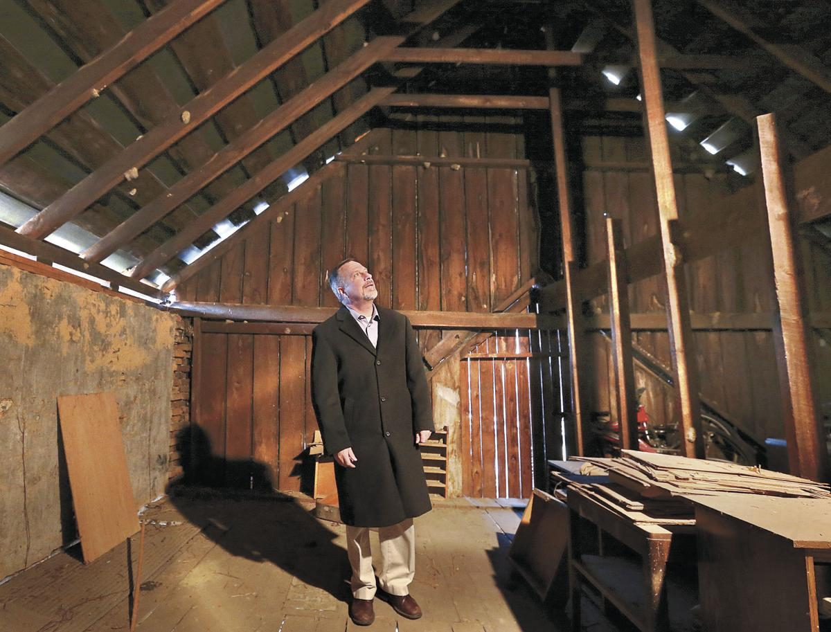 Engineer reports on Berryville livery stable's condition