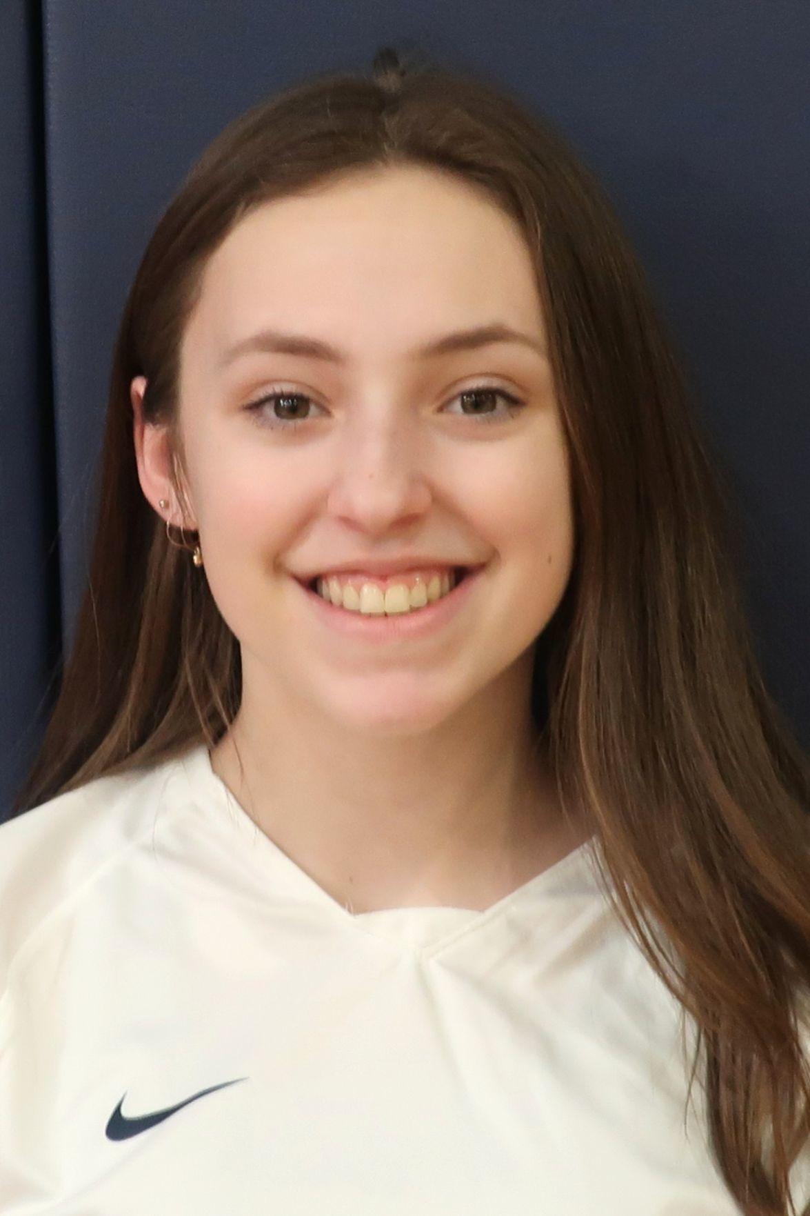 Zoe Zimmerman headshot