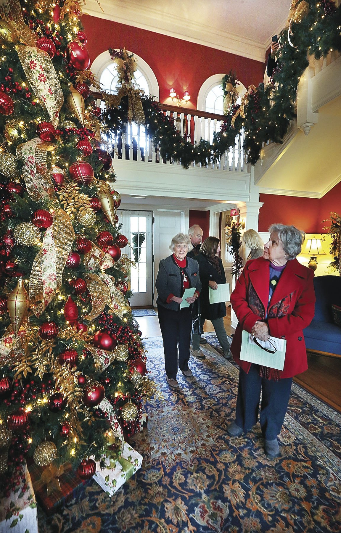 Berryville homes tour inspires guests with Christmas decor