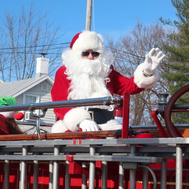 Clarke parade promotes Christmas, downtown holiday shopping