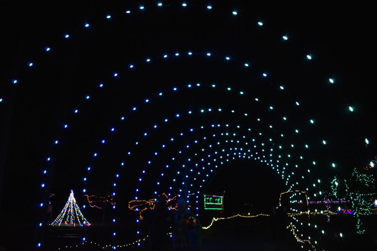 Clearbrook Park Christmas Lights 2020 Clearbrook Park aglow for the holidays | Winchester Star