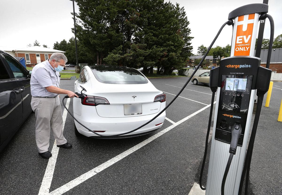 Bank Installs Electric Vehicle Charging Station For Public Use Winchester Star Winchesterstar Com,Best Artificial Christmas Tree 2020 Uk