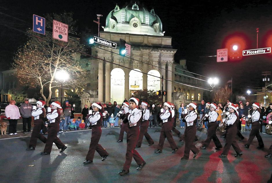 Old town holiday parade is monday night features for Frederick county fairgrounds christmas craft show