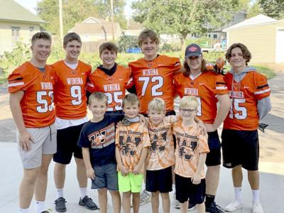 Winhawks football players make lasting memory for young fans