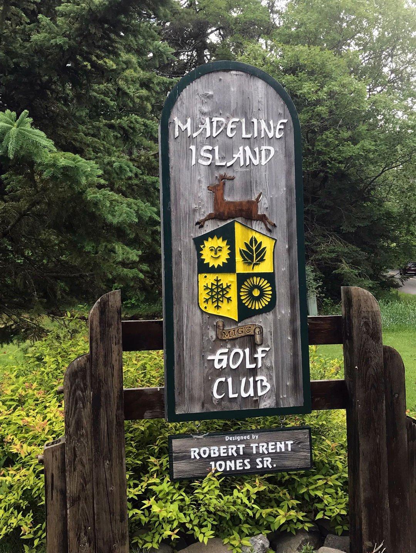 Madeline Island gc sign