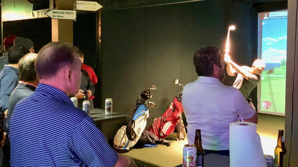 Fore! Milwaukee indoor golf