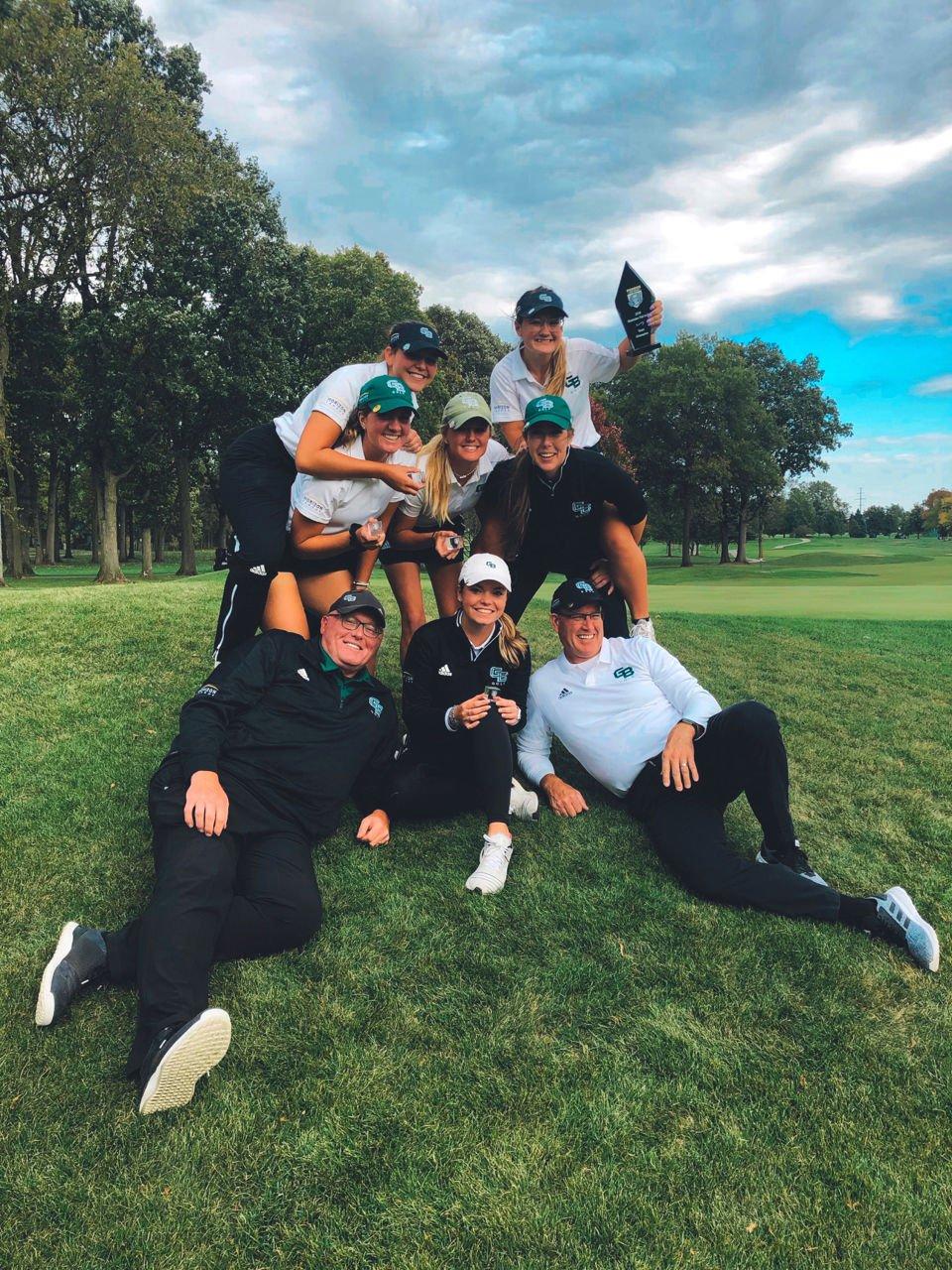 UW-Green Bay women's golf team | 2019 Mastodon Fall Invite champs