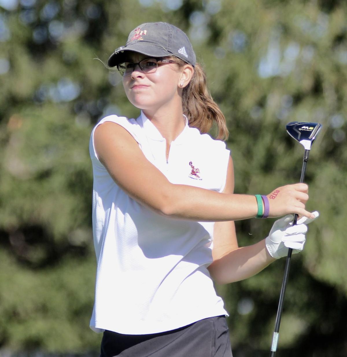 2019 WIAA D2 Girls Golf Sectional | Grace Welch, Madison Edgewood