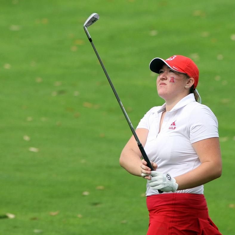 Badgers men's, women's golf programs go near and far as each sign pair of golfers for 2019 recruiting class