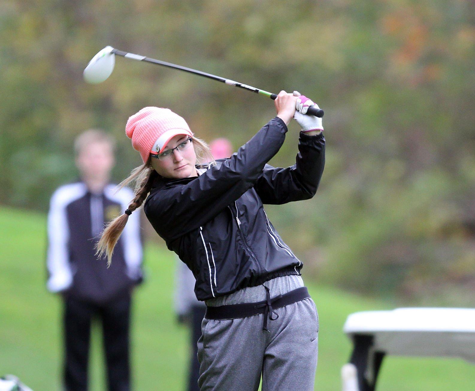 Emily powers amateur golfer