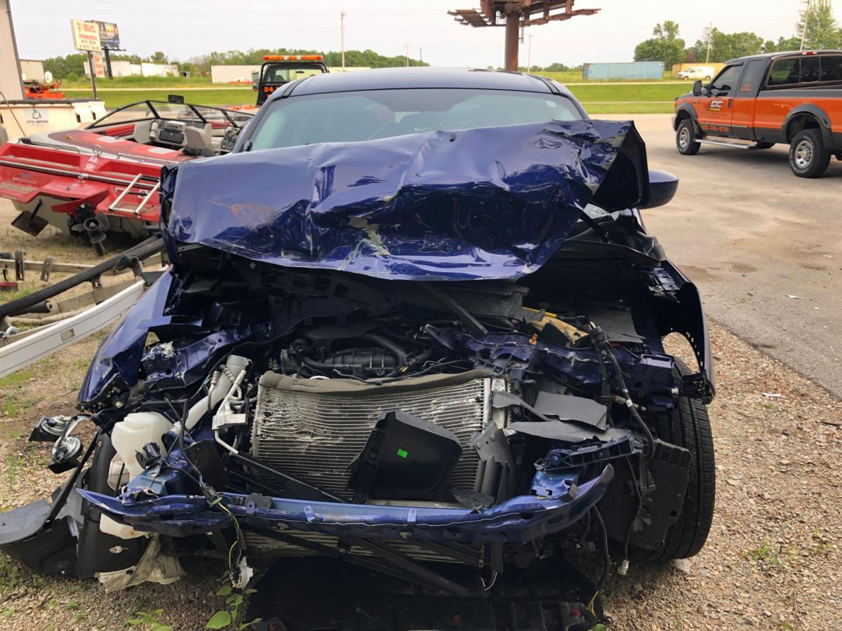 Isabelle Maleki | Damaged auto