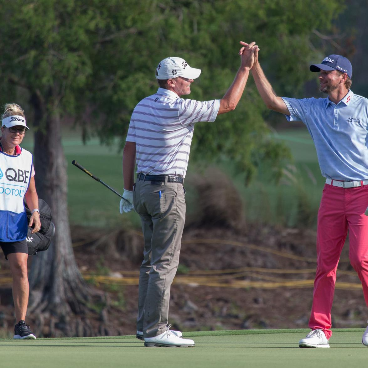 Eagle-birdie finish helps Madison's Steve Stricker, Sean O'Hair grab one-stroke lead after one round of QBE Shootout