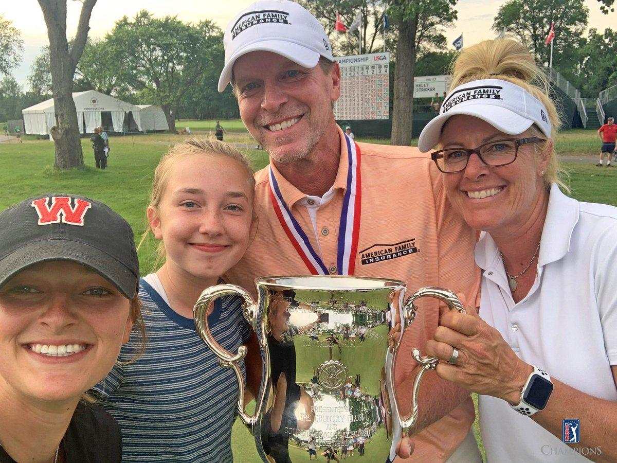 Steve Stricker & family with trophy