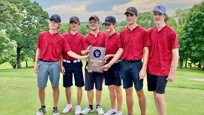 2021 WIAA Madison Memorial boys golf sectional champion Middleton