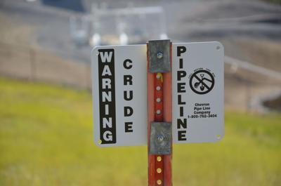 oil pipeline sign