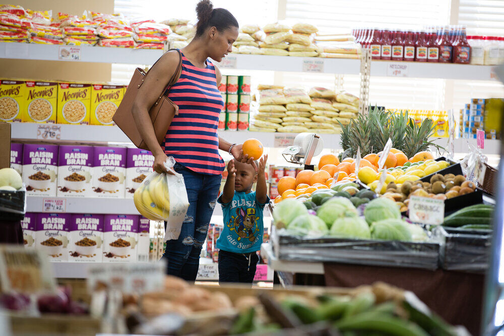 City shops for strategy on downtown grocer